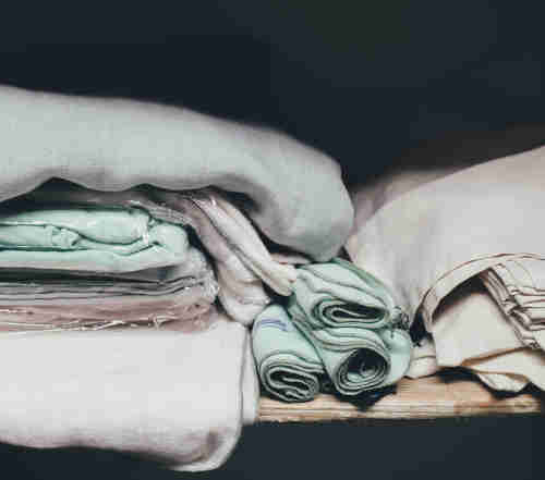 oreiller pour dormir sur le ventre comment bien le choisir. Black Bedroom Furniture Sets. Home Design Ideas