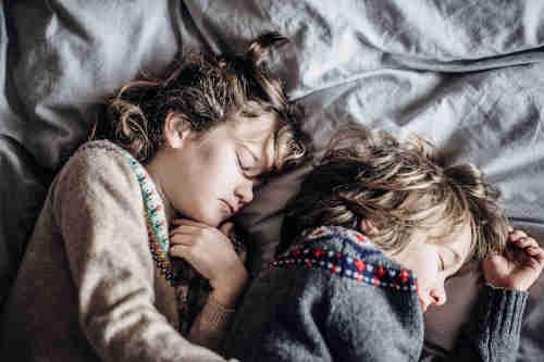 Les enfant ont aussi besoin de d'oreiller plat