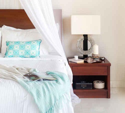 Oreillers en laine bio sur lit